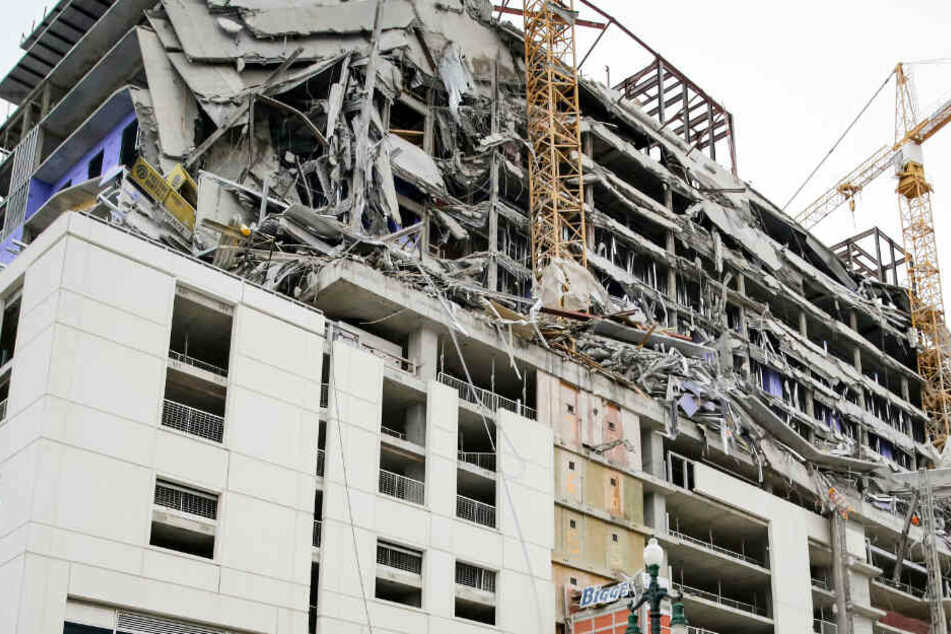 Schreckliche Szenen: Hard-Rock-Hotel stürzt teilweise ein, ein Mensch ist tot