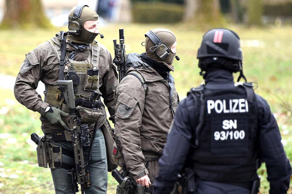 Polizei-Spezialeinheiten sollen stärker bewaffnet werden.