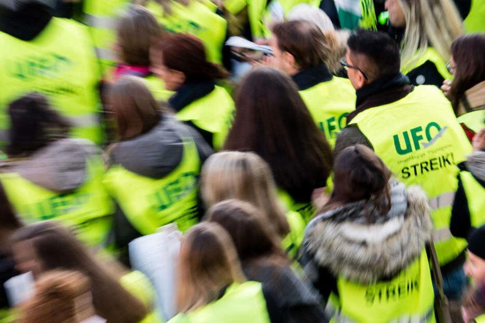 Lufthansa: Gewerkschaft Ufo prüft unbefristeten Streik!