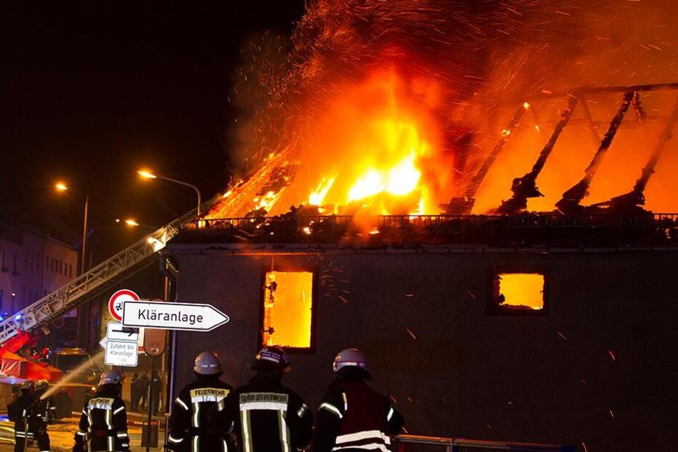 Immer wieder geriet ein Vierseitenhof im Stadtteil Alt-Chrieschwitz in Brand. Die Feuer sollen unter anderem mit einer Lötlampe gelegt worden sein.