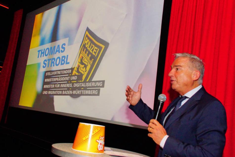 Thomas Strobl stellt in Stuttgarter Kino Kampagne vor.
