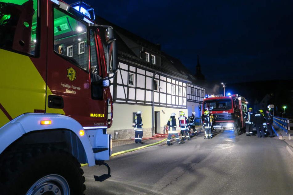 Feuer in Heizungsraum: Bewohner im Krankenhaus
