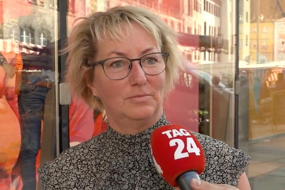 Sie findet es schade, dass die Insolvenz ausgerechnet nach dem sensationellen 5:0 in Erfurt kam.