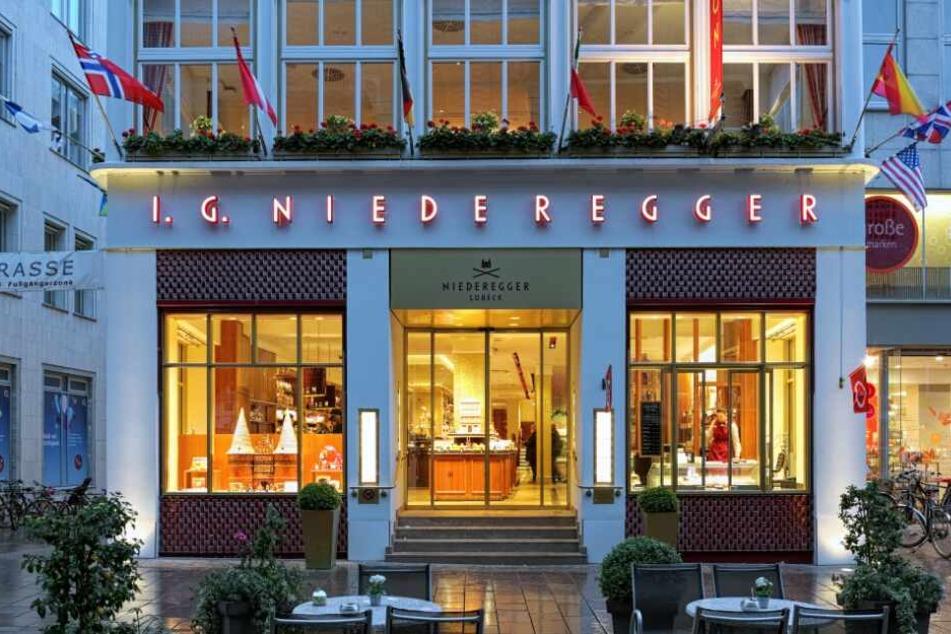 Ein tödlicher Unfall überschattet den Betrieb des Café Niederegger.