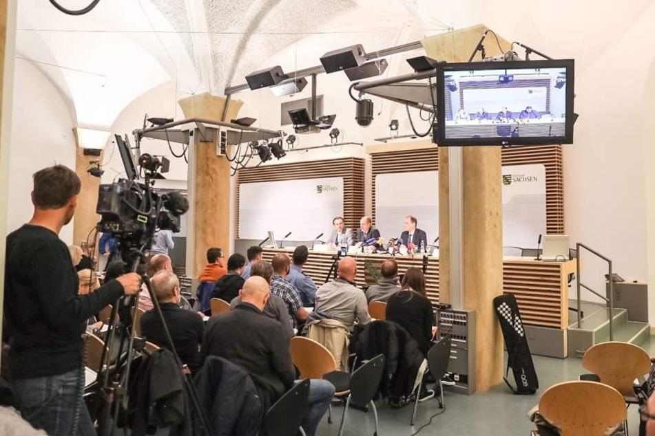 Sachsens Innenminister Markus Ulbig (CDU) sagte auf der PK, dass der 22-Jährige am Nachmittag einem Haftrichter in Dresden vorgeführt wurde.