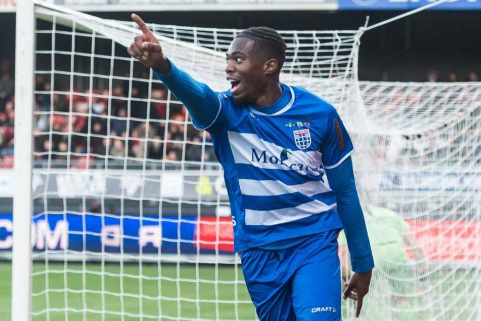 Kingsley Ehizibue (24) trägt in der kommenden Saison das Trikot des 1. FC Köln.
