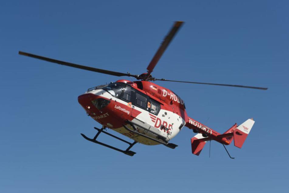 Mit schwersten Verletzungen wurde der Mann ins Unfallkrankenhaus Berlin-Marzahn geflogen. (Symbolbild)