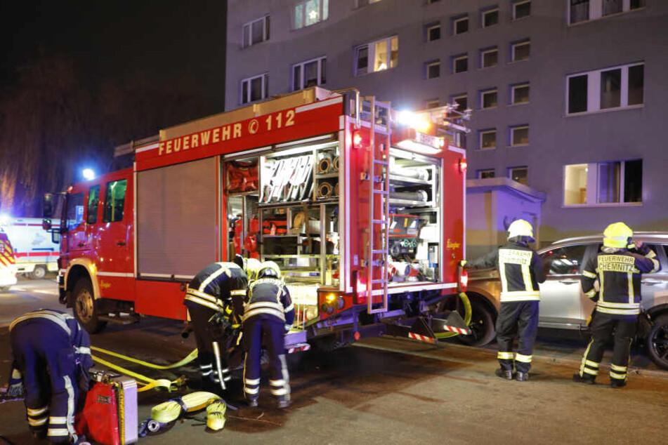 Brand in Chemnitzer Plattenbau: Sechs Bewohner im Krankenhaus
