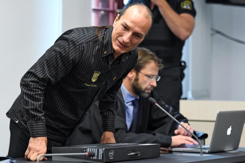 Der Ankläger hatte für Fitzek vier Jahre Haft gefordert, die Verteidigung auf Freispruch plädiert.