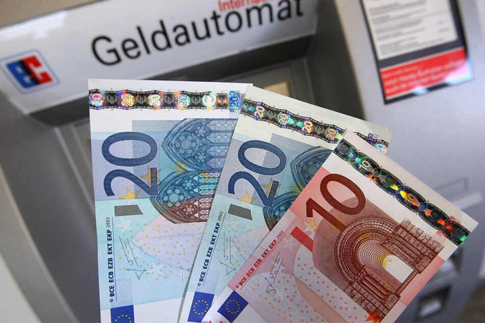 Auch Falschgeld spielt bei dem Prozess eine Rolle. (Symbolbild).