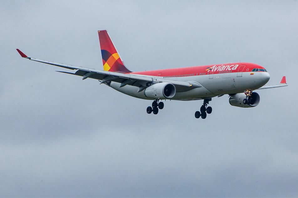 Ein kolumbianisches Linienflugzeug wurde von einem Jagdbomber aus dem Luftraum Venezuelas gedrängt.