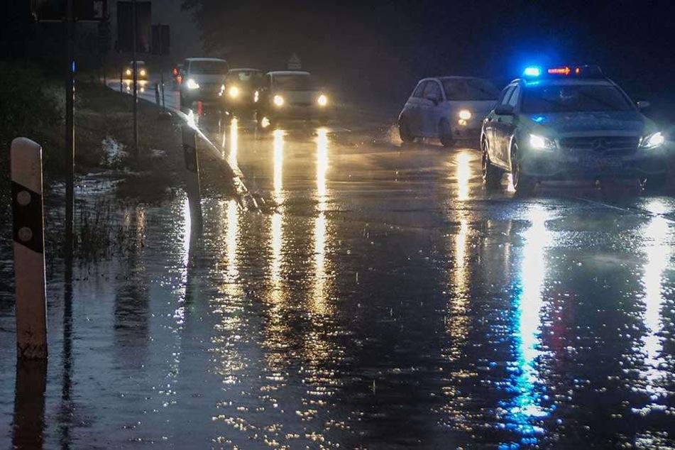 Unwetter im Südwesten: Flughafen lahm gelegt, großflächiger Stromausfall