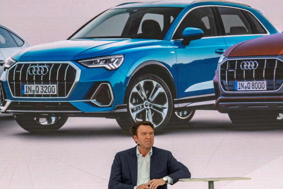 Bram Schot, Vorsitzender des Vorstands der Audi AG und kommissarischer Vorstand Vertrieb und Marketing spricht bei der Bilanz-Pressekonferenz.