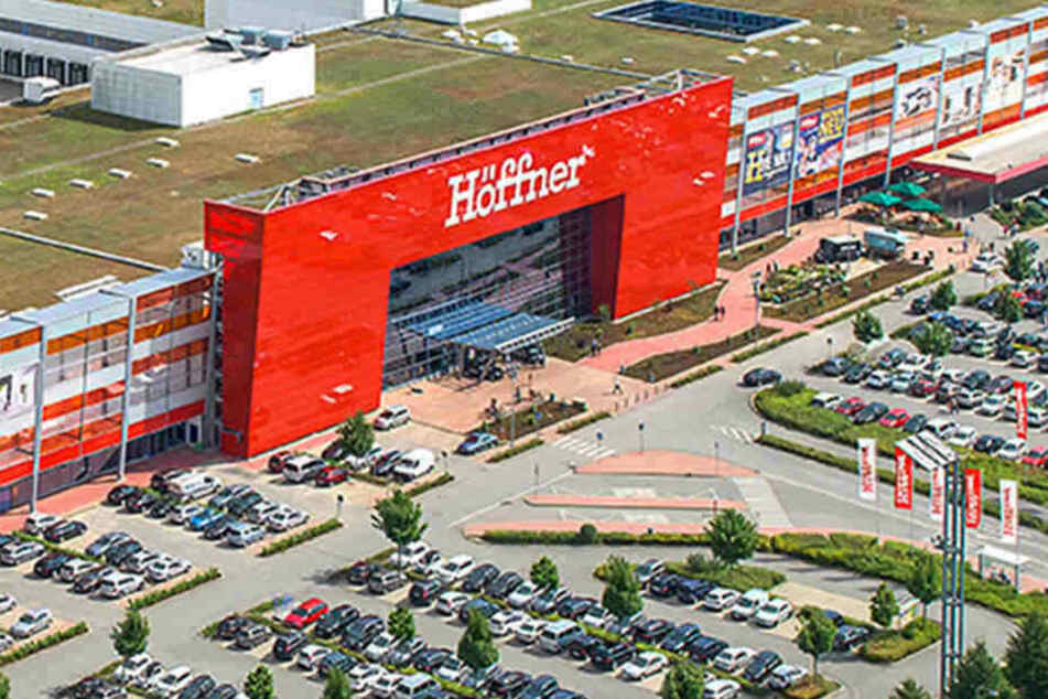 Möbel Höffner In Hamburg Gibt Eine Woche 40 Rabatt In Allen