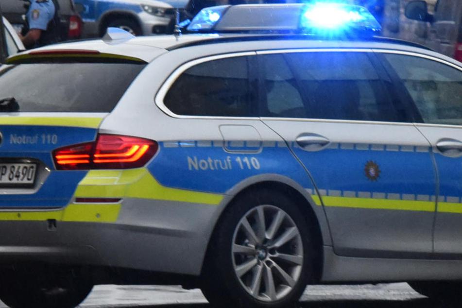 Die Polizei fahndet nach einem etwa 20 Jahre alten Mann mit schwarzem Mountainbike (Symbolbild).