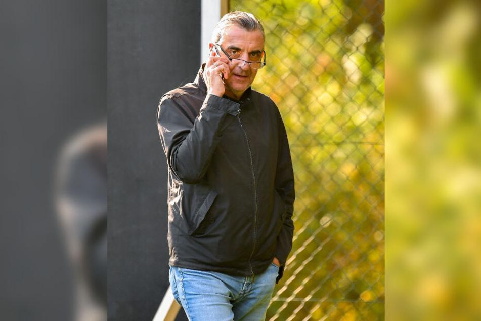 """Da werden die """"Drähte"""" glühen! Dynamos Sportdirektor sucht intensiv nach Verstärkungen, die in der Winterpause verpflichtet werden sollen."""