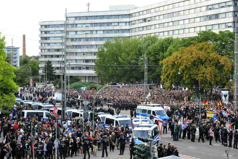 Demo in Chemnitz: Politische Lager nutzen Chemnitz für ihre Zwecke aus.