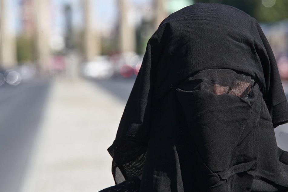 In der Schweiz soll nach ein landesweites Burkaverbot verhängt werden.