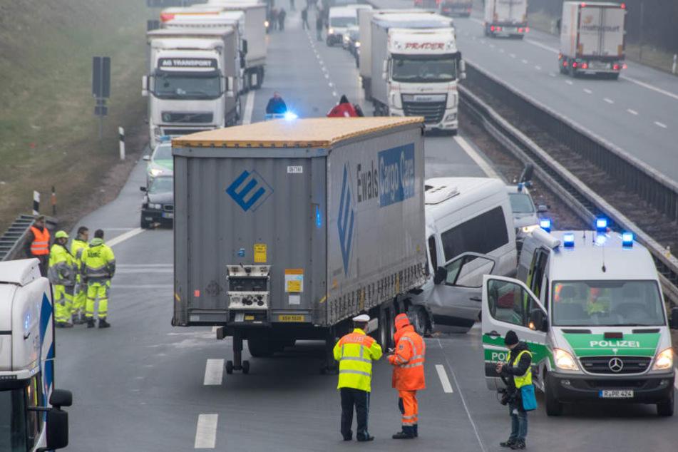 Insgesamt drei Kollisionen gab es am Freitagmorgen auf der Autobahn A3.