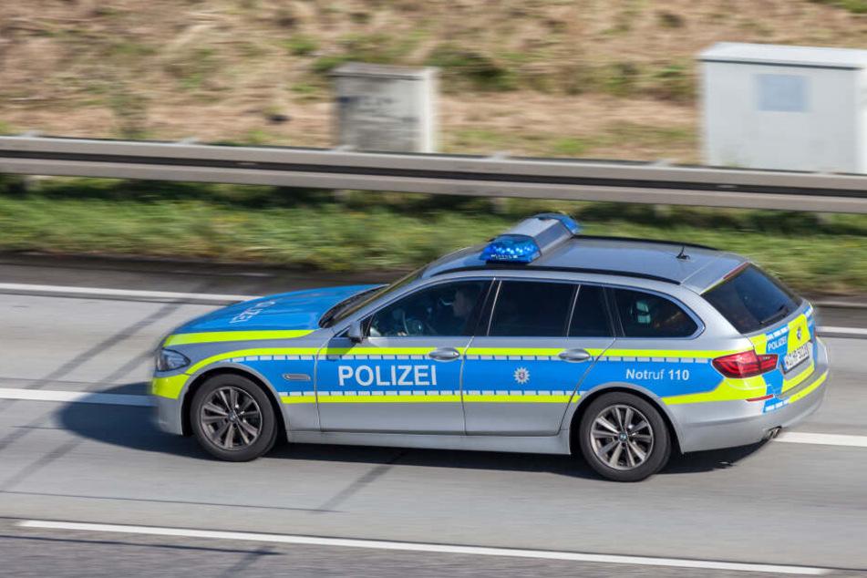 Die Polizei konnte die Dreiergruppe sofort fassen (Symbolbild).