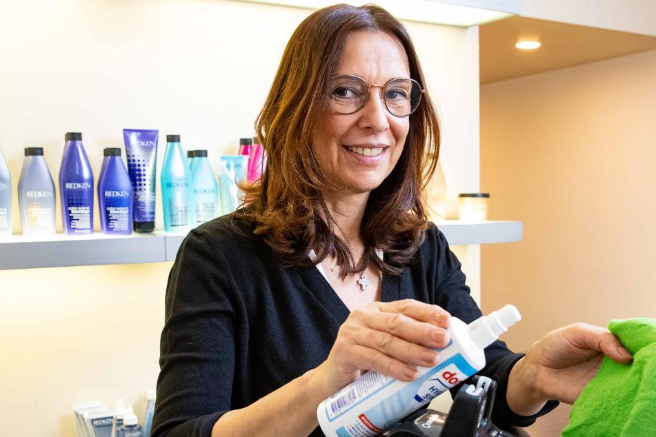 Termine nur mit Test & Maske: Friseure müssen Einschnitte hinnehmen