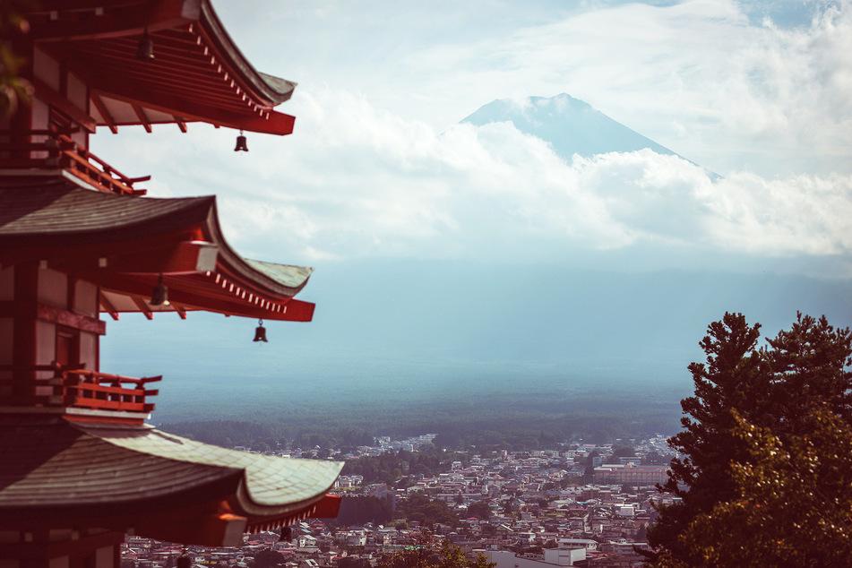 Blick auf den Fuji, ein Vulkan und zugleich der höchste Berg Japans.