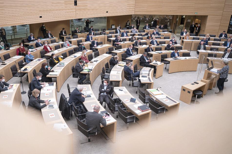 Landtags-CDU möchte Abgeordnete nicht zu Masken-Geschäften befragen