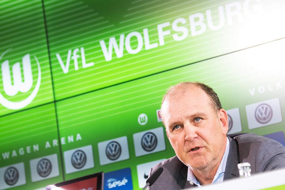 Wolfsburgs Geschäftsführer Sport Jörg Schmadtke soll ein schwieriges Verhältnis zu Trainer Bruno Labbadia haben.