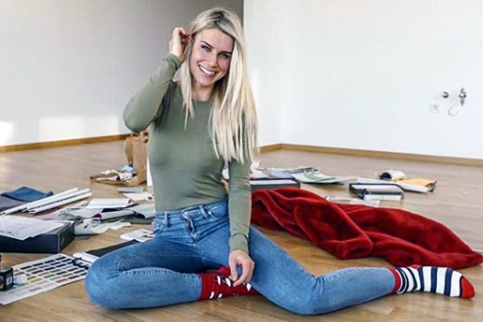 Adrienne Koleszár zieht um: nach der Trennung von Freund Steven hat sie eine neue Wohnung.