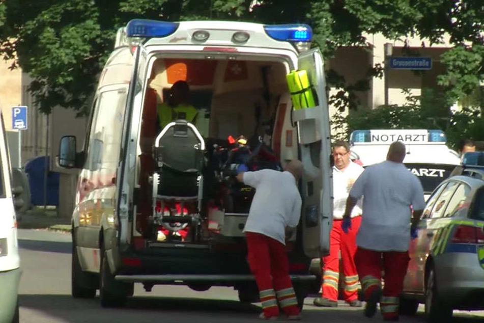 Der 25-Jährige wurde notärztlich versorgt und in ein Krankenhaus gebracht.