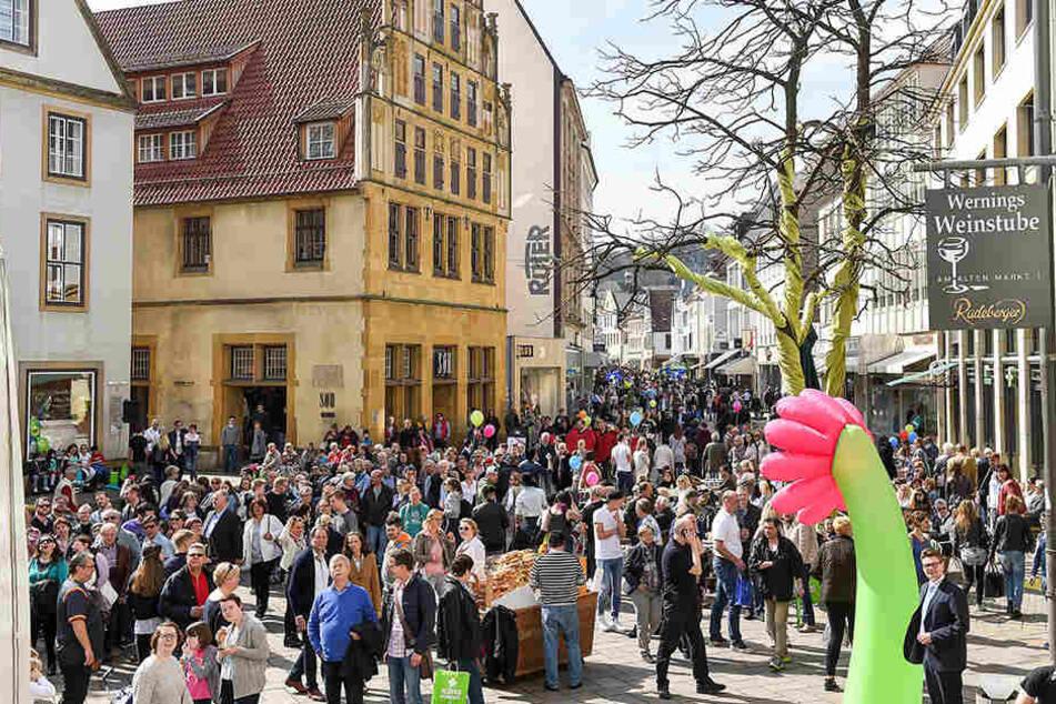 In der Bielefelder Altstadt ist an verkaufsoffenen Sonntagen besonders viel los.