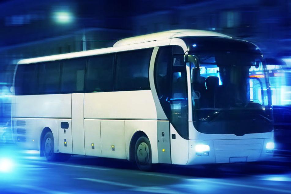 Busfahrer fährt nach Schlaganfall noch 15 Kilometer nicht ansprechbar weiter