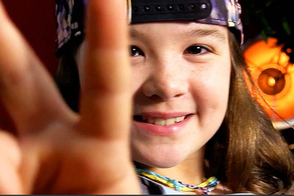 Bühnenerfahrung hat die zehnjährige Pia bereits. Jetzt hofft sie, dass sie ganz viele Fans bekommt.