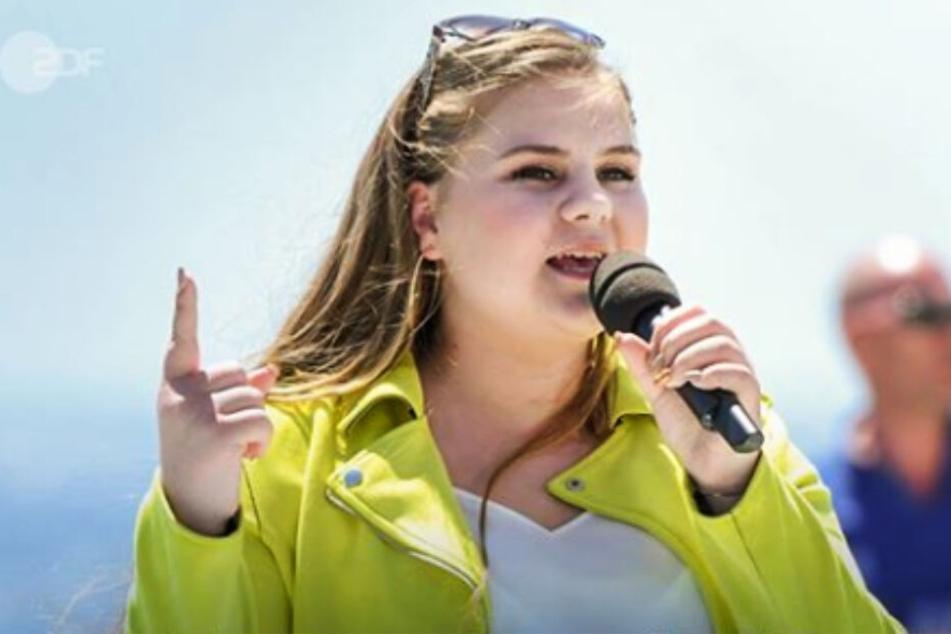 Estefania Wollny (17) hofft auf eine Karriere als Sängerin.