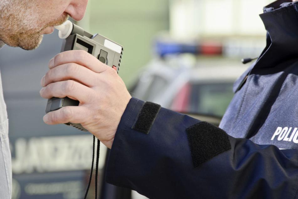 Der 64-Jährige wurde mit 4,76 Promille von der Polizei erwischt. (Symbolbild)