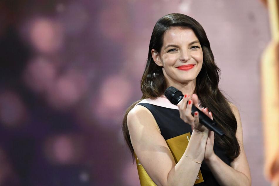 Yvonne Catterfeld hat sich in den letzten Jahren als Sängerin und Schauspielerin etabliert.