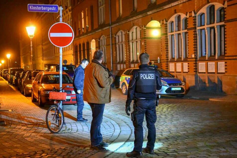 Am Tatort in der Klosterbergestraße wurden Spuren gesichert.