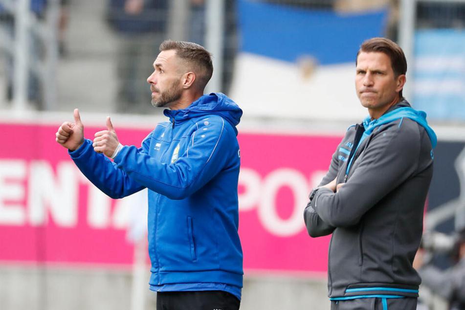 Seit sie das Sagen haben auf der CFC-Bank, gehen sportlich die Daumen wieder nach oben: Cheftrainer Patrick Glöckner (r.) und sein Co Christian Tiffert.