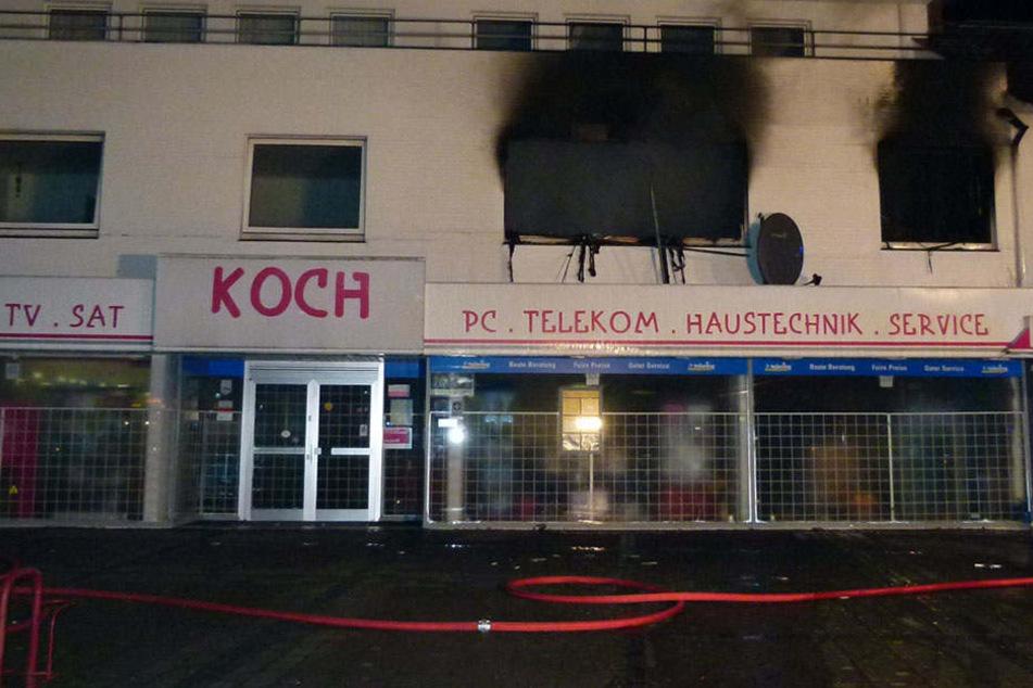 Das Feuer hat einen Schaden von mehreren hunderttausend Euro hinterlassen.