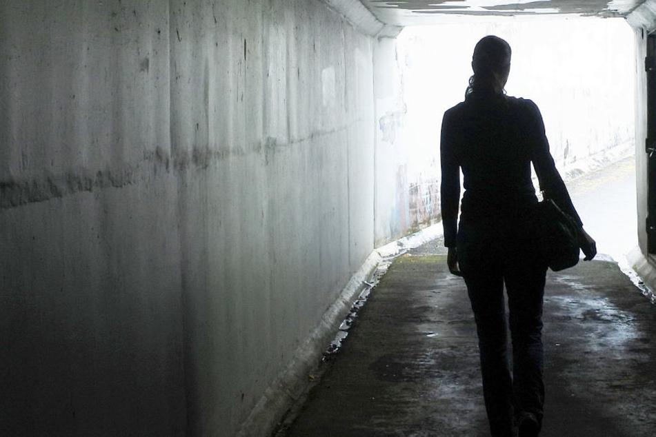 Schrecklicher Übergriff an Tunnel: Mann will Mädchen (13) vergewaltigen