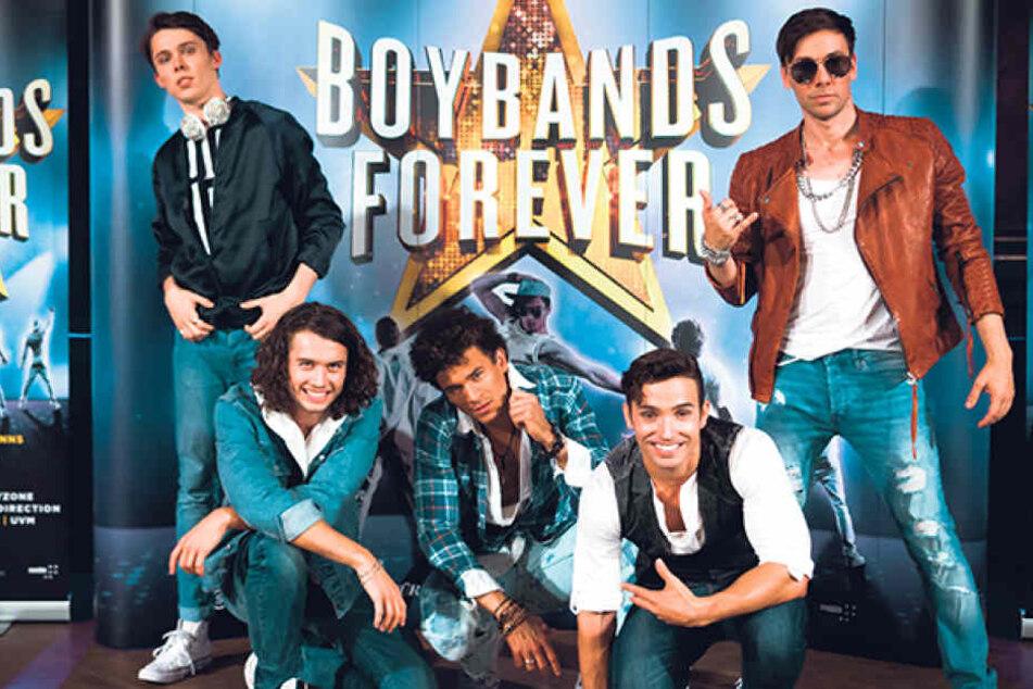 Extra für die Show gecastet: Die fünf Musicaldarsteller lassen die Hits der Boygroups wieder aufleben.