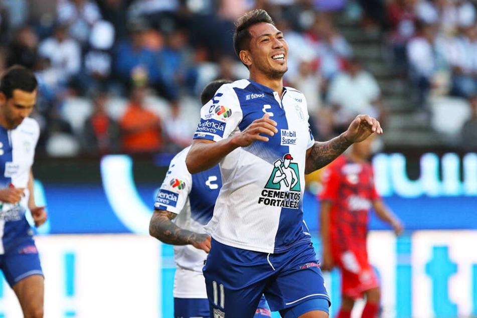Er war ein Teil des englischen Meistermärchens von Leicester City und war an diesem Abend für Veracruz nicht zu verteidigen: Sturmtank Leonardo Ulloa erzielte drei Tore und bereitete noch einen Treffer vor.