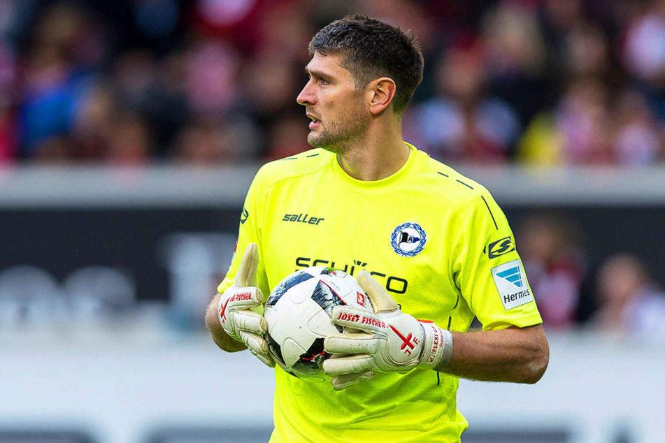 Um wach zu bleiben, führte DSC-Keeper Hesl gegen VfL Bochum Selbstgespräche.