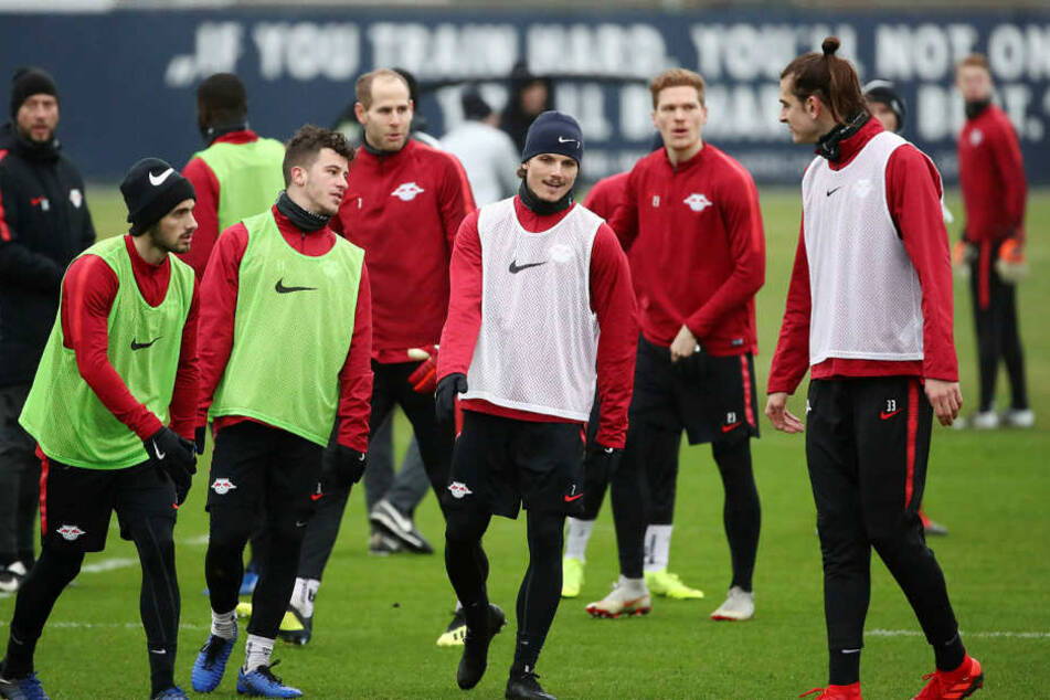 Atinc Nukan (r.) war letztmalig im Mai 2016 für RB am Ball. Anschließend wurde er für zwei Jahre zu Heimatklub Besiktas Istanbul verliehen. Seit letztem Sommer trainiert er wieder am Cottaweg.