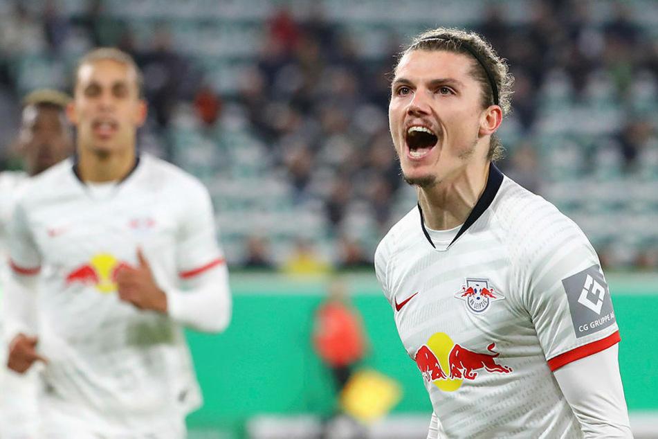 Marcel Sabitzer (r.) muss mit RB Leipzig nach Nürnberg.
