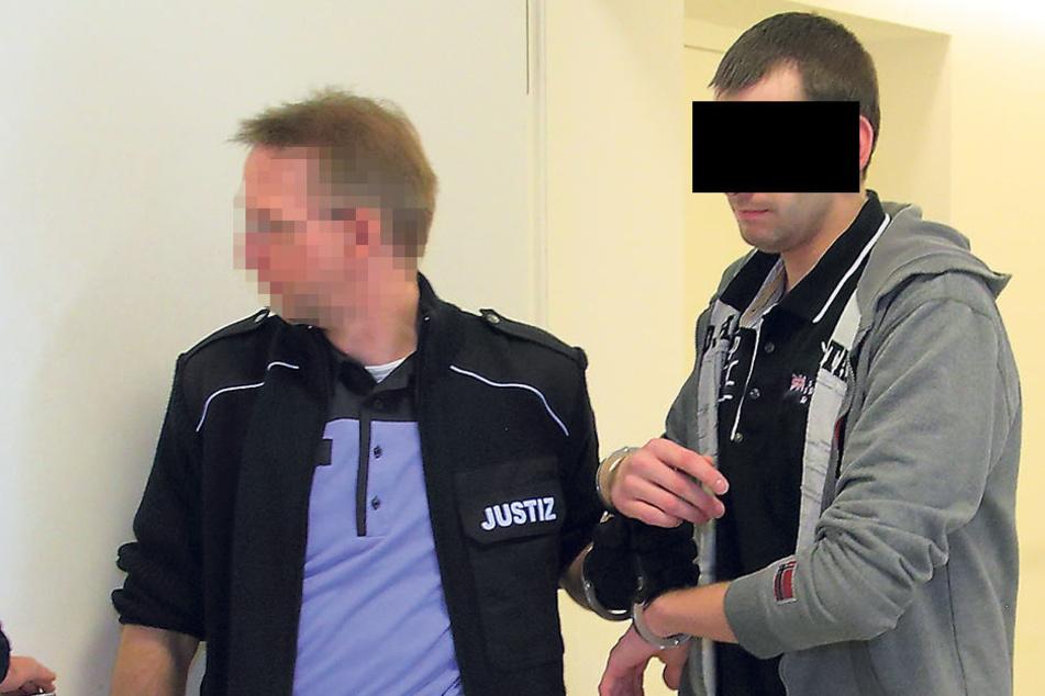 Enorme Rückfallgeschwindigkeit: Nun muss Daniel S. (25) für längere Zeit in Haft.