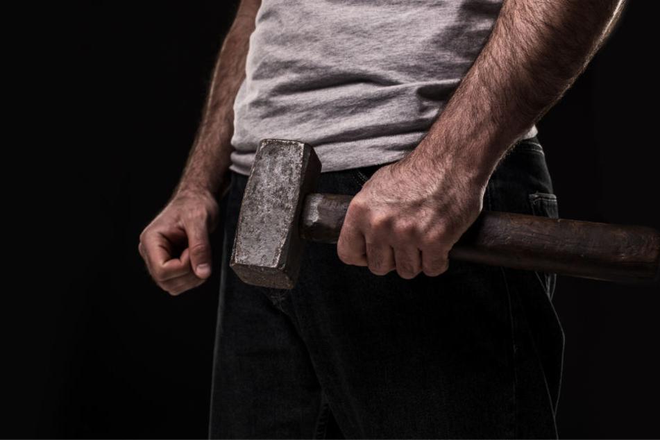 Mit einem Hammer wurde der 38-Jährige niedergestreckt.