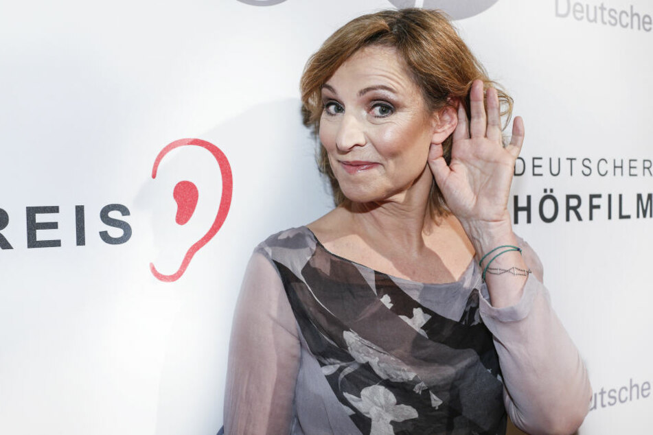 Schauspielerin Kirsten Block (59) freut sich auf einen netten Fernsehabend.