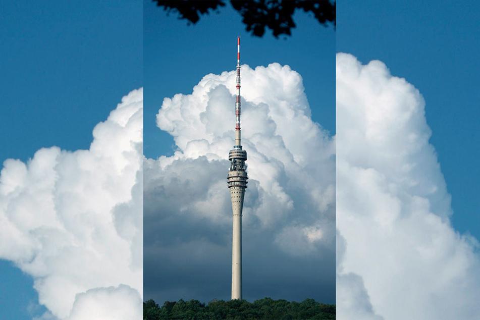 Dunkle Wolken am Fernsehturm: Die Sanierung wird im Haushalt nicht abgesichert.