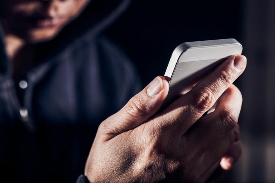Die drei Kinder stahlen insgesamt fünf iPhones. (Symbolbild)